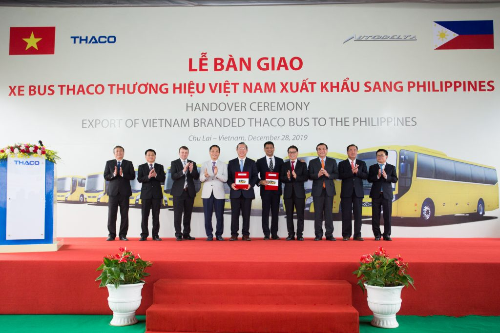 THACO again breaks into global export market buses and vehicle components